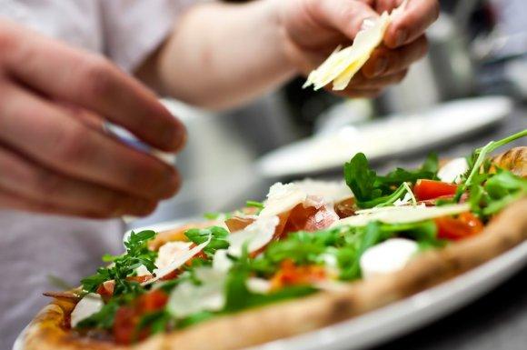 Restaurant pizzeria pour commander pizza fraîche à emporter